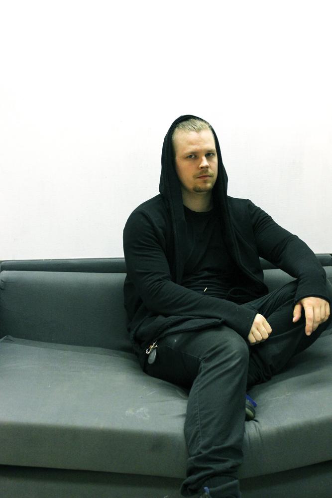 Taiteilija-Mikko-Rekonen